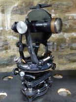 Lot 243 - A VINTAGE MAHOGANY CASED SURVEYOR'S LEVEL THEODOLITE BY R.WATTS, LONDON TOGETHER WITH AN