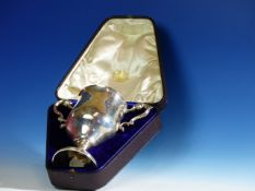 A CARRINGTON'S CASED SILVER CANNES GOLF CLUB TWO HANDLED TROPHY CUP, LONDON 1892. H.17cms. 348