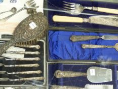 A QUANTITY OF CASED CUTLERY TO INCLUDE SILVER AND PLATED WARE, AN 800 STAMPED RABBIT WITH