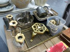 A QTY OF BRASS AND PLATEDWARES.