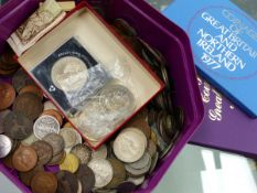 A QUANTITY OF LOOSE COINS, ROYAL MINT PROOF SETS, ETC.