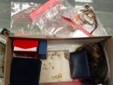 JEWELLERY AND COINS TO INCLUDE 9ct GOLD, SILVER, WATCHES, COSTUME PIECES ETC.
