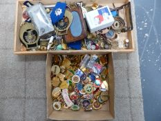COLLECTABLES TO INCLUDE MEDALS, MILITARY BADGES, CLUB BADGES ETC.