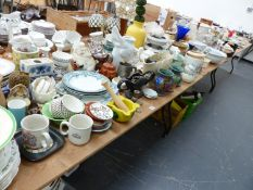 A QTY OF DECORATIVE CHINA AND GLASSWARES,ETC.
