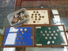 CASED DISPLAYS OF FARTHINGS, SIXPENCE'S, AND THREE PENCE'S TOGETHER WITH A QUANTITY OF LOOSE COINS.
