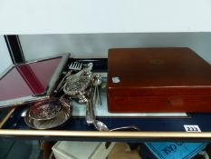 TWO SILVER HALLMARKED CASED SETS OF TEASPOONS, A SILVER HALLMARKED RIBBON AND REED PHOTO FRAME, A