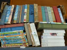 A QTY OF CHILDREN'S BOOKS.