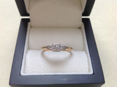 AN EDWARDIAN 18ct AND PLATINUM THREE STONE DIAMOND RING, FINGER SIZE U, WEIGHT 3.6grms.