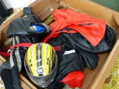A QTY OF VINTAGE AND MODERN LEATHER MOTORCYCLE PROTECTIVE CLOTHING.