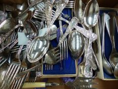 VARIOUS CUTLERY TO INCLUDE ROGERS & HAMILTON ETC.