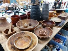A QTY OF VARIOUS HAND TURNED BOWLS, ART POTTERY,ETC.