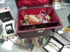 A VINTAGE JEWELLERY BOX WITH CONTENTS.