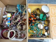 A QUANTITY OF COSTUME JEWELLERY, NAPKIN RINGS, WATCHES ETC.