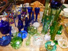A QTY OF BLUE AND GREEN GLASSWARES.