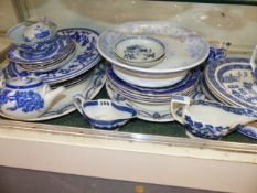 A QTY OF VICTORIAN AND LATER BLUE AND WHITE WARES.