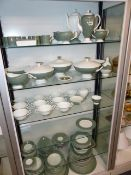 AN EXTENSIVE WEDGWOOD DINNER SERVICE, GREEN AND WHITE.