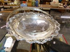 AN EDWARDIAN SILVER HALLMARKED TAZZA, DATED 1909. WEIGHT 460grms.