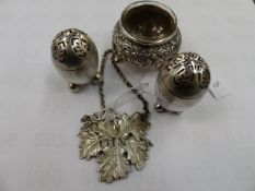 A PAIR OF SILVER HALLMARKED VICTORIAN CRUETS, A SILVER GIN LABEL AND A WHITE METAL MUSTARD WITH
