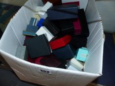 A QTY OF JEWELLERY BOXES.