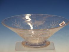 A WEBB BUBBLED GLASS BOWL, POSSIBLY DESIGNED BY DAVID HAMMOND, THE EXTERIOR CUT WITH A FISH AND