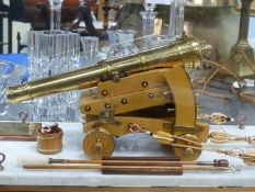 VIVIAN PENTECOST'S 1992 1/9TH SCALE MODEL OF LT KOEHLER'S 1782 DOWNHILL CANNON, THE BRASS COPPER AND