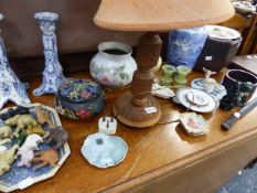A SMALL WORCESTER VASE, PAIR OF DELFT CANDLESTICKS,ETC.