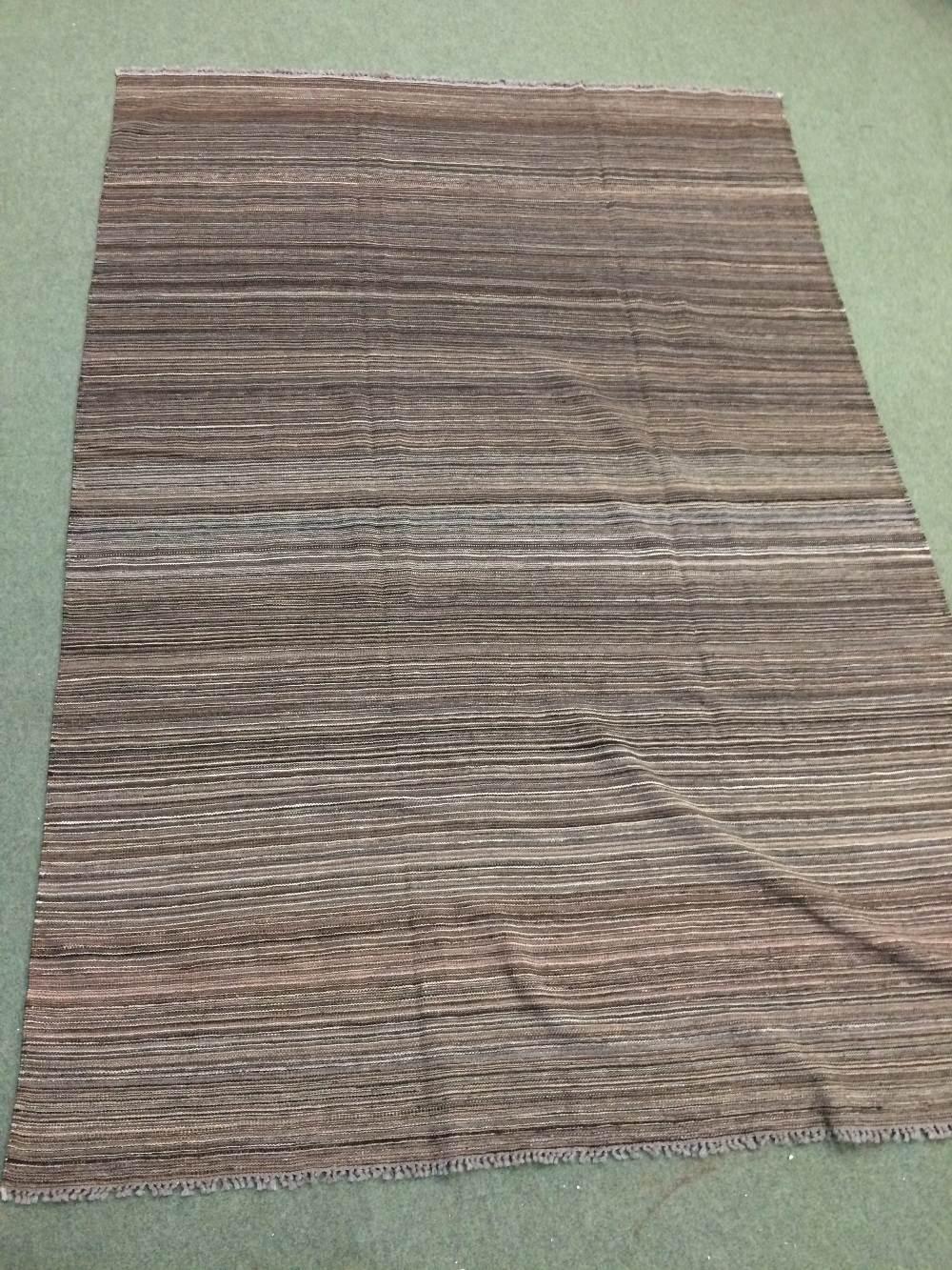 Lot 718 - Contemporary kilim 2.9 X 1.92m
