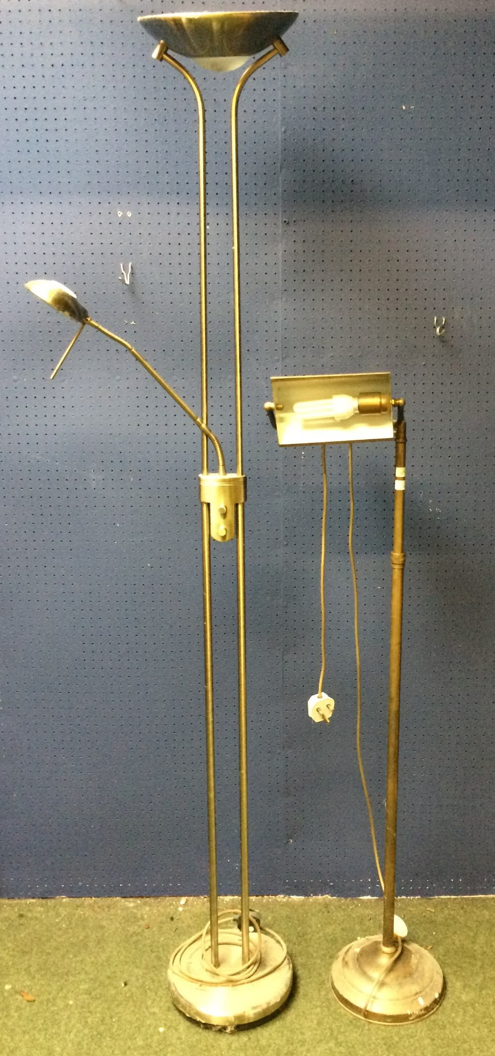 Lot 28 - General household clearance: 2 floor standing reading lamps
