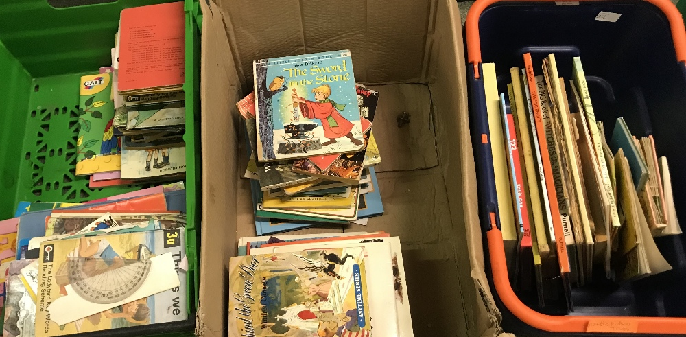 Lot 27 - General household clearance: 3 boxes of children's books