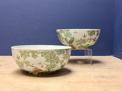 Lot 97 - Pair of matched massive punch bowls by de Gournay with central holes formed at to the base
