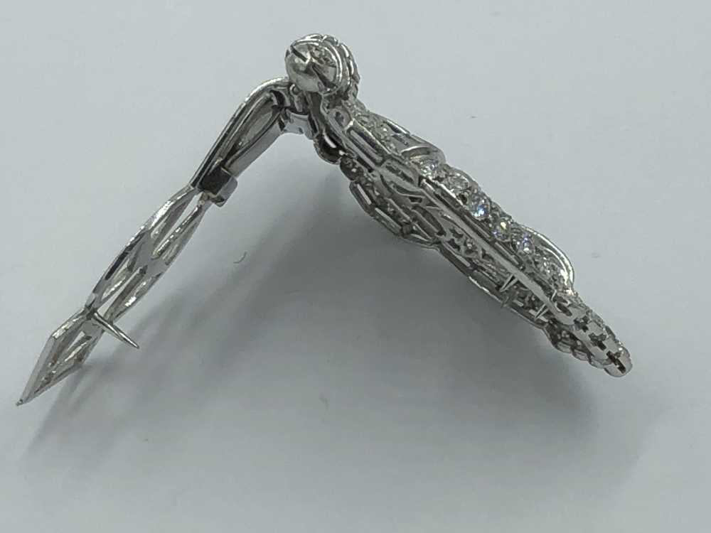 Lot 15 - NO ONLINE BIDDING LOTS 1-30. Art Deco clip brooch in unmarked white metal, set throughout