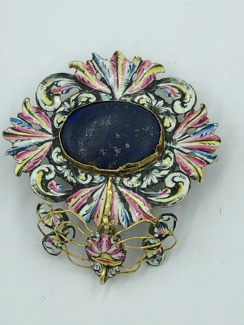 Lot 26 - NO ONLINE BIDDING LOTS 1-30. 17th C free cut foil backed green stone & enamel pendant
