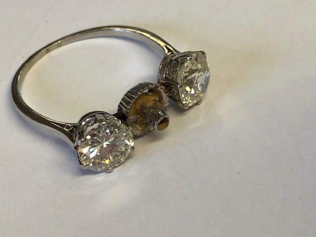 Lot 2 - NO ONLINE BIDDING LOTS 1-30. Unmarked white metal ring (a/f), central vacant mount (possibly for