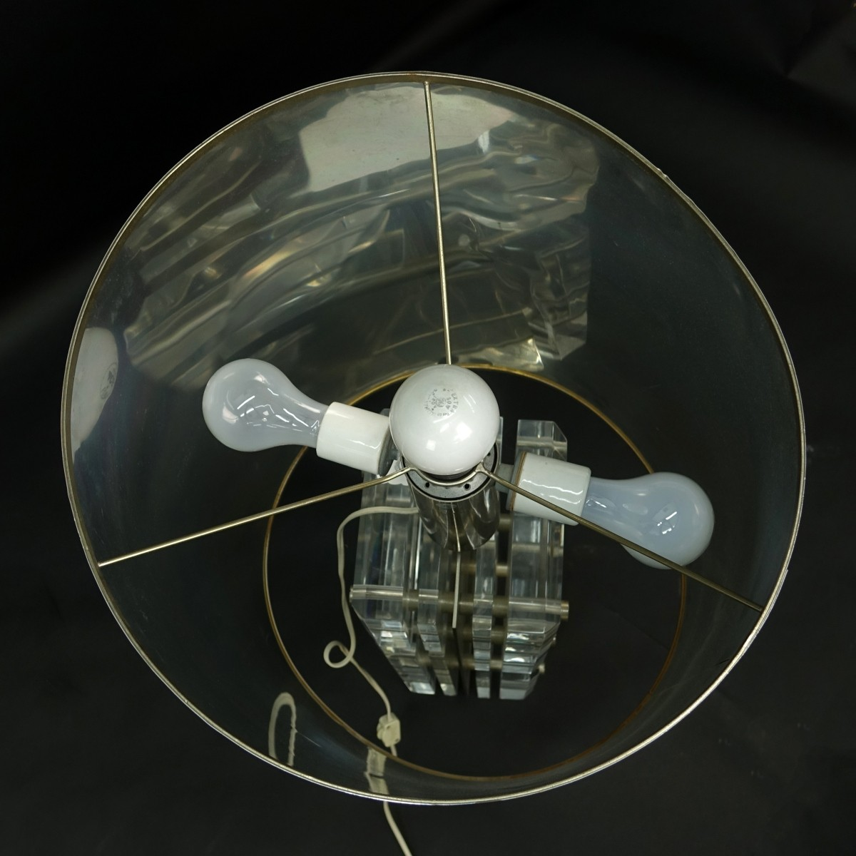 Lot 112 - Lucite Lamp