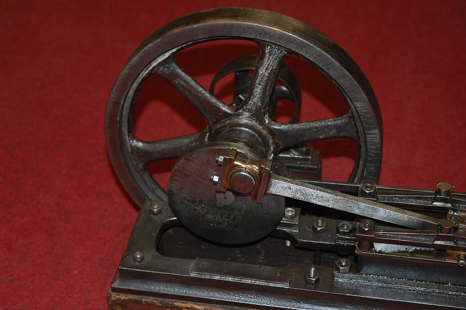 Lot 42 - A very well made circa 1880 model of a live steam stationary horizontal mill engine, comprising of
