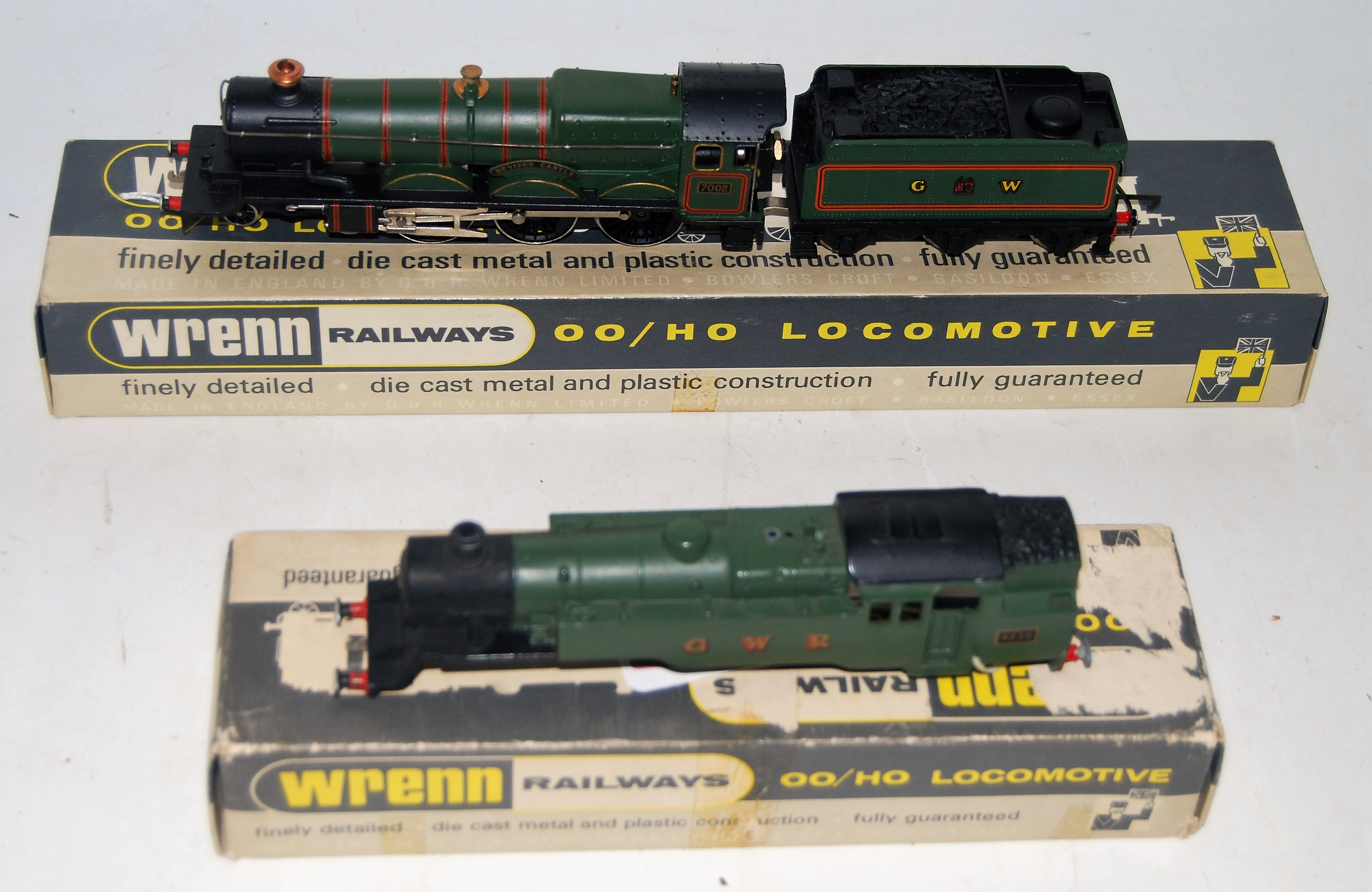 Lot 648 - Wrenn W2222 GW Devizes Castle loco and tender, with instructions, some corrosion to handrails (G-