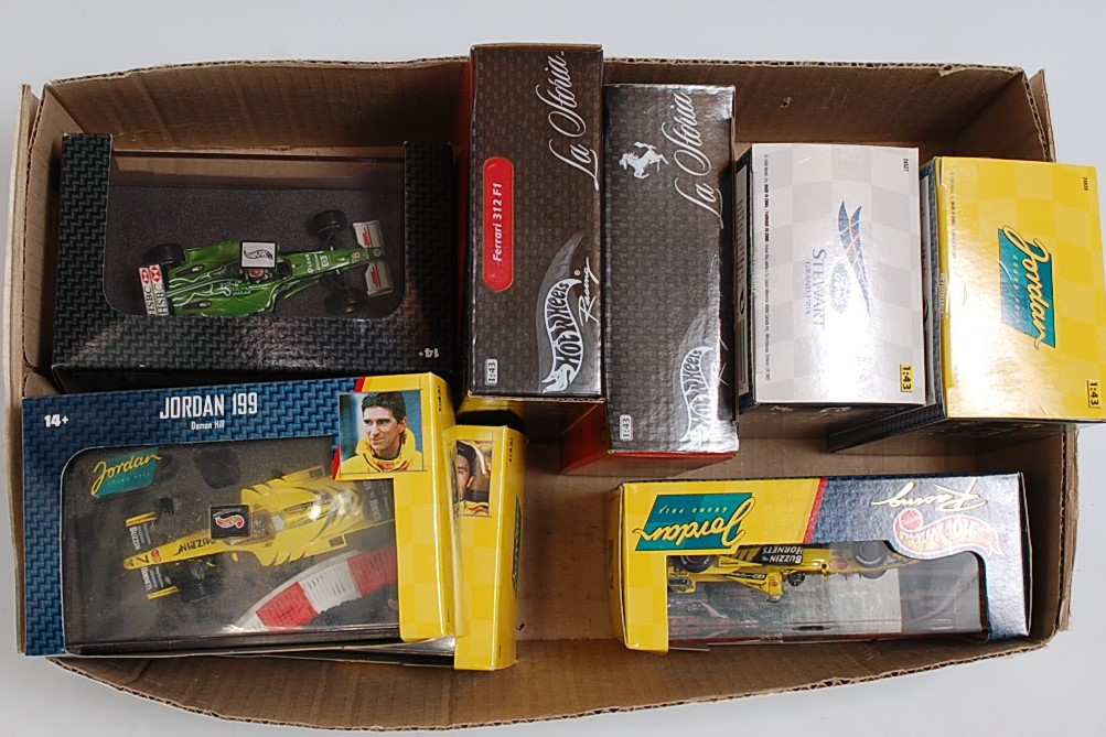 Lot 2542 - A Hotwheels Racing 1/43 scale boxed F1 diecast group to include Jackie Stewart SF3 Grand Prix