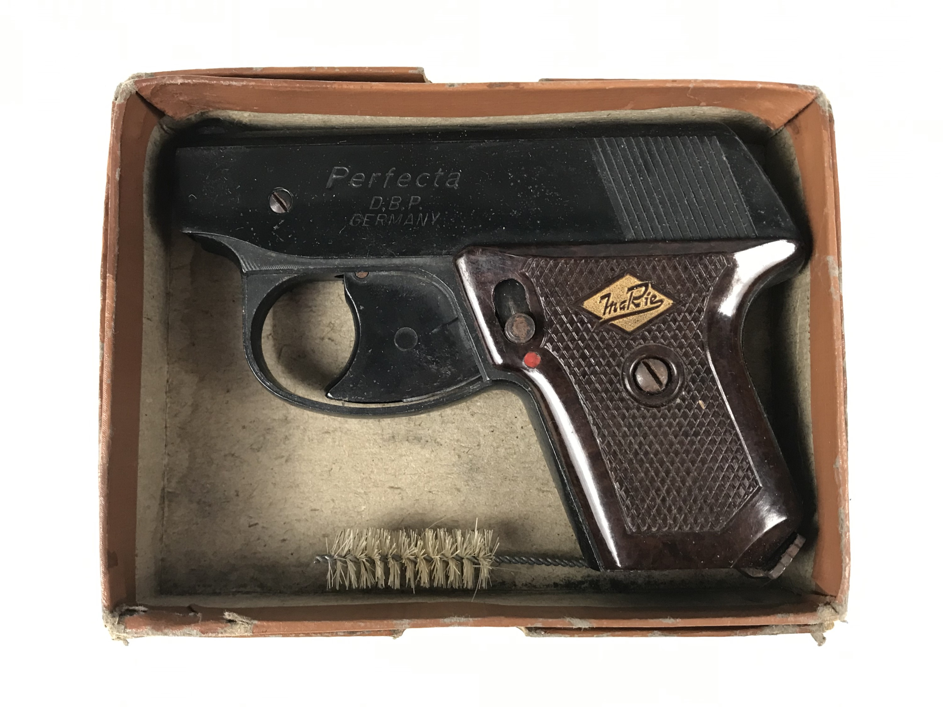 Lot 20 - A vintage boxed Perfecta starting pistol by D.B.P. Germany