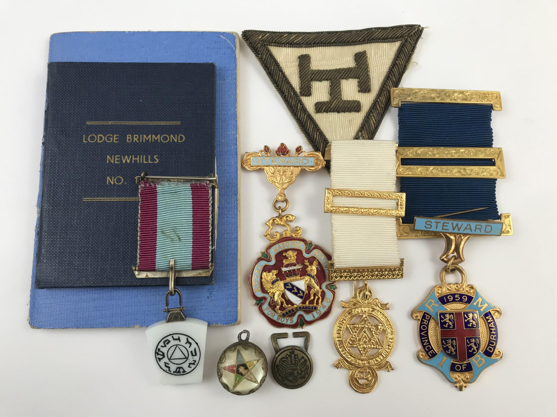 Lot 8 - A small group of Masonic jewels etc