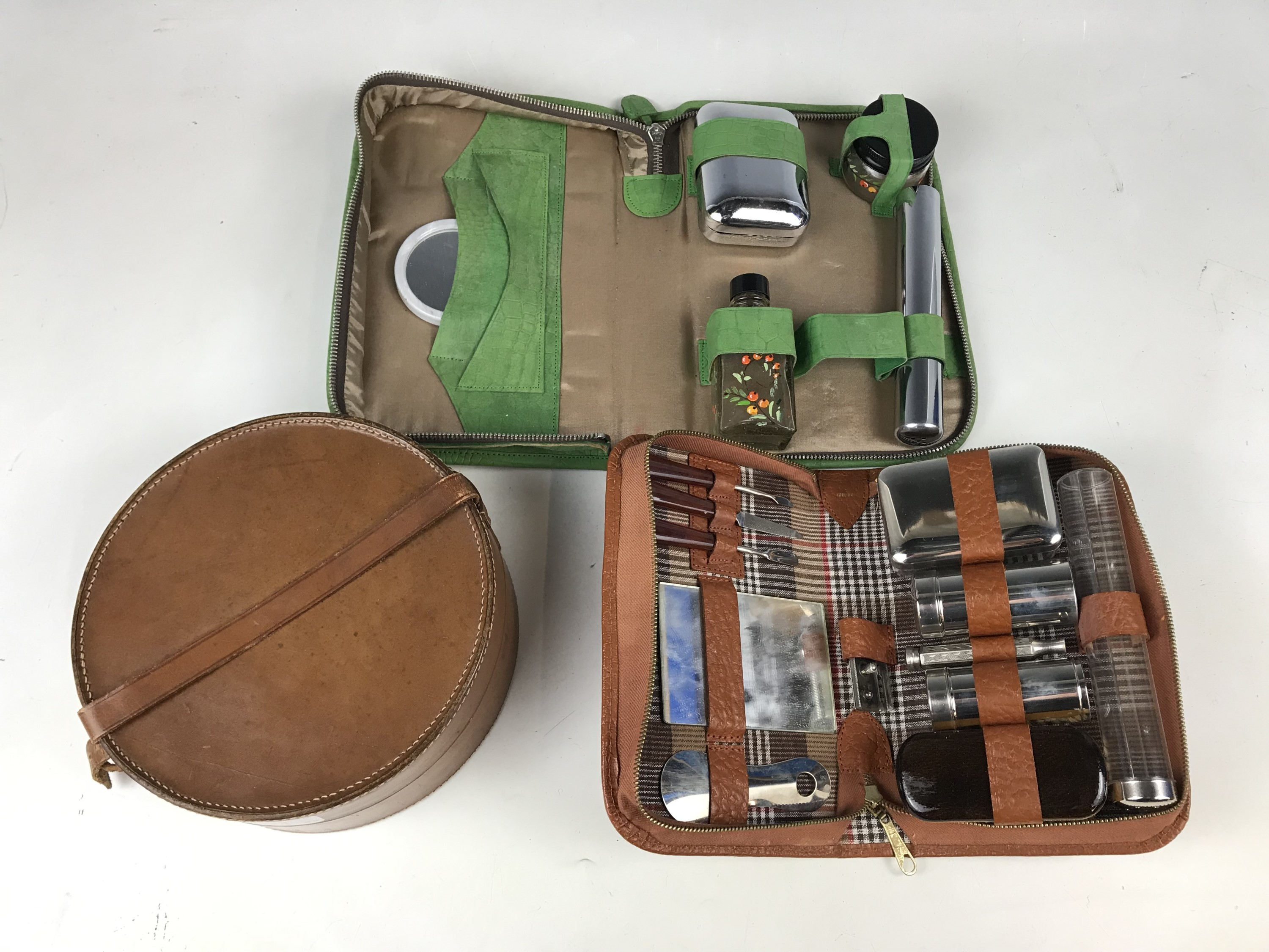 Lot 11 - Two vintage gentleman's grooming sets together with a collar box