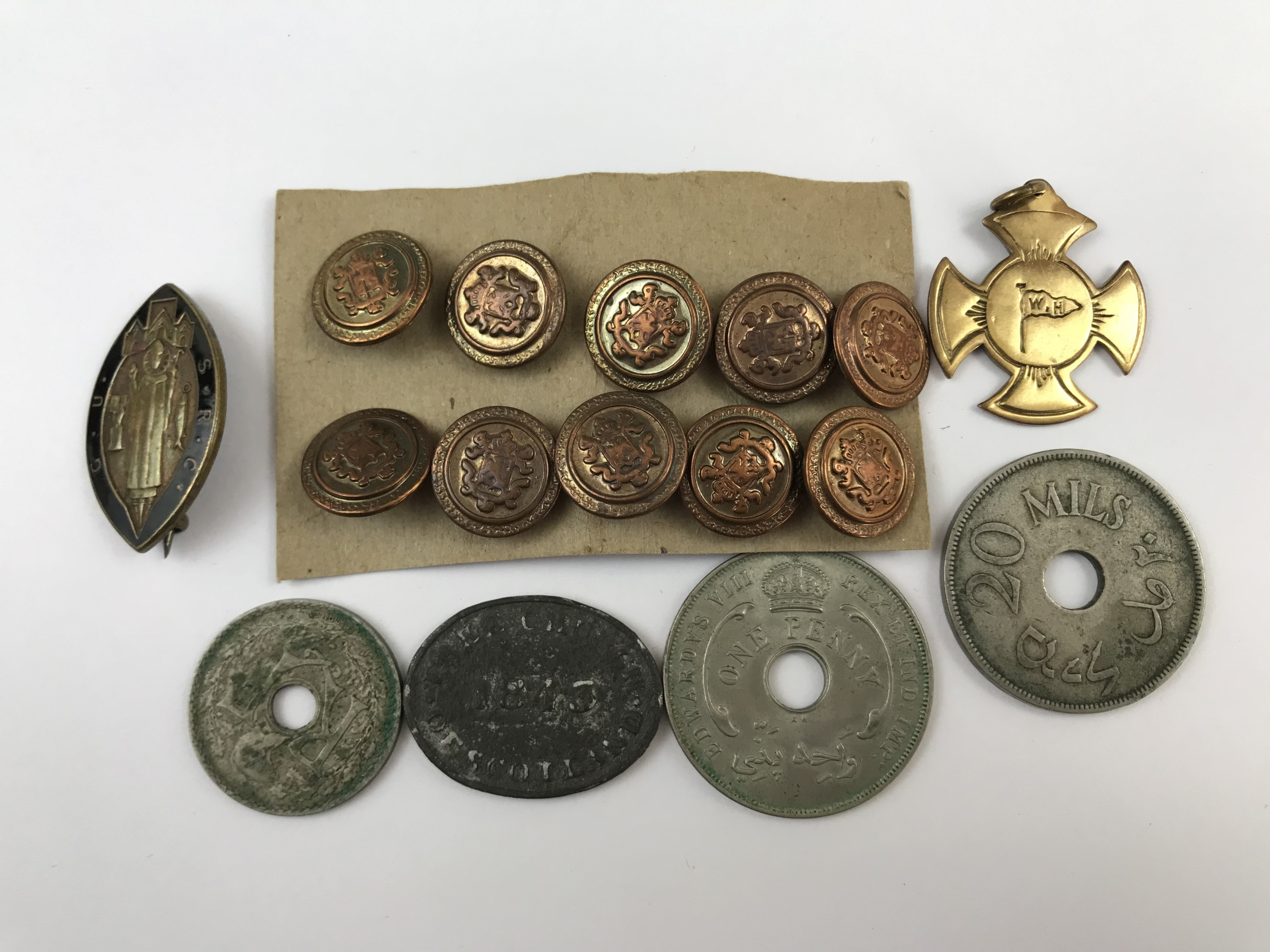 Lot 7 - Sundry collectors' items including an 1843 Free Church of Scotland communion token, a Walker and