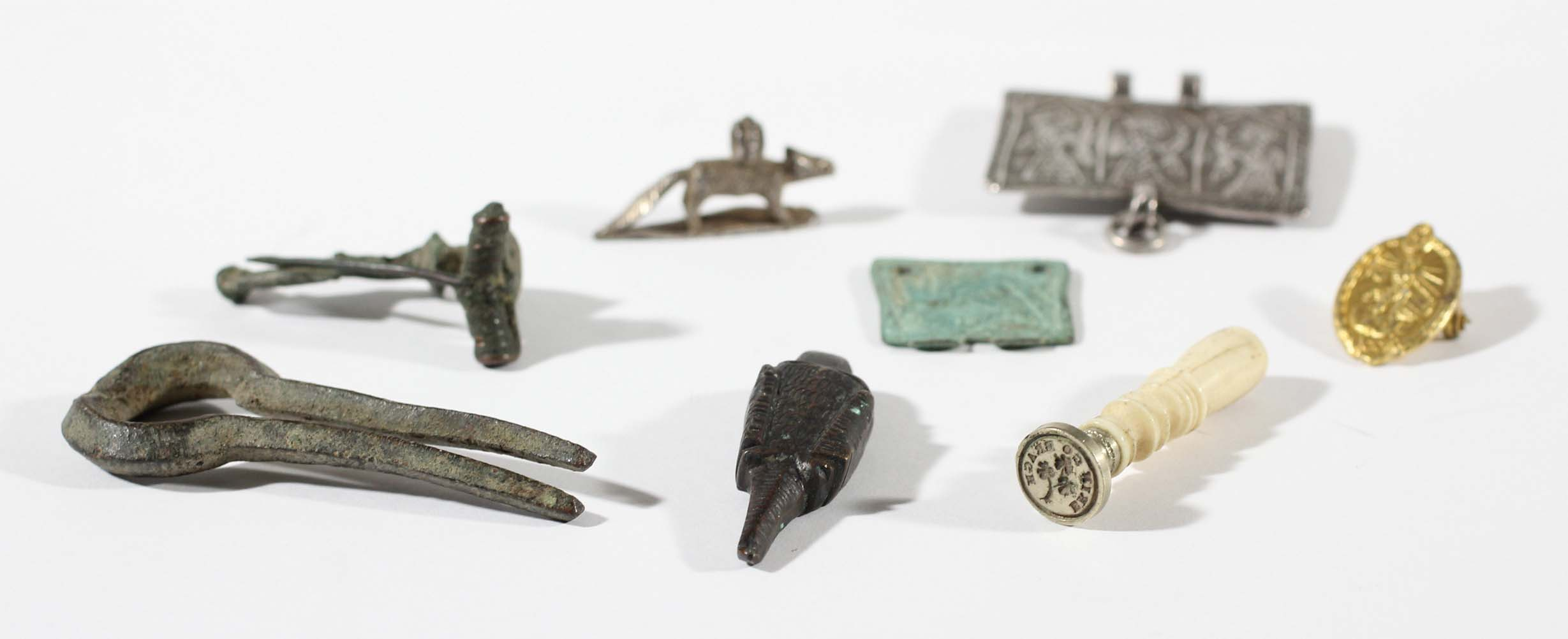 Lot 1491 - ANTIQUITIES: a mixed collection of antiquities and similar items, to include Anglo Saxon and