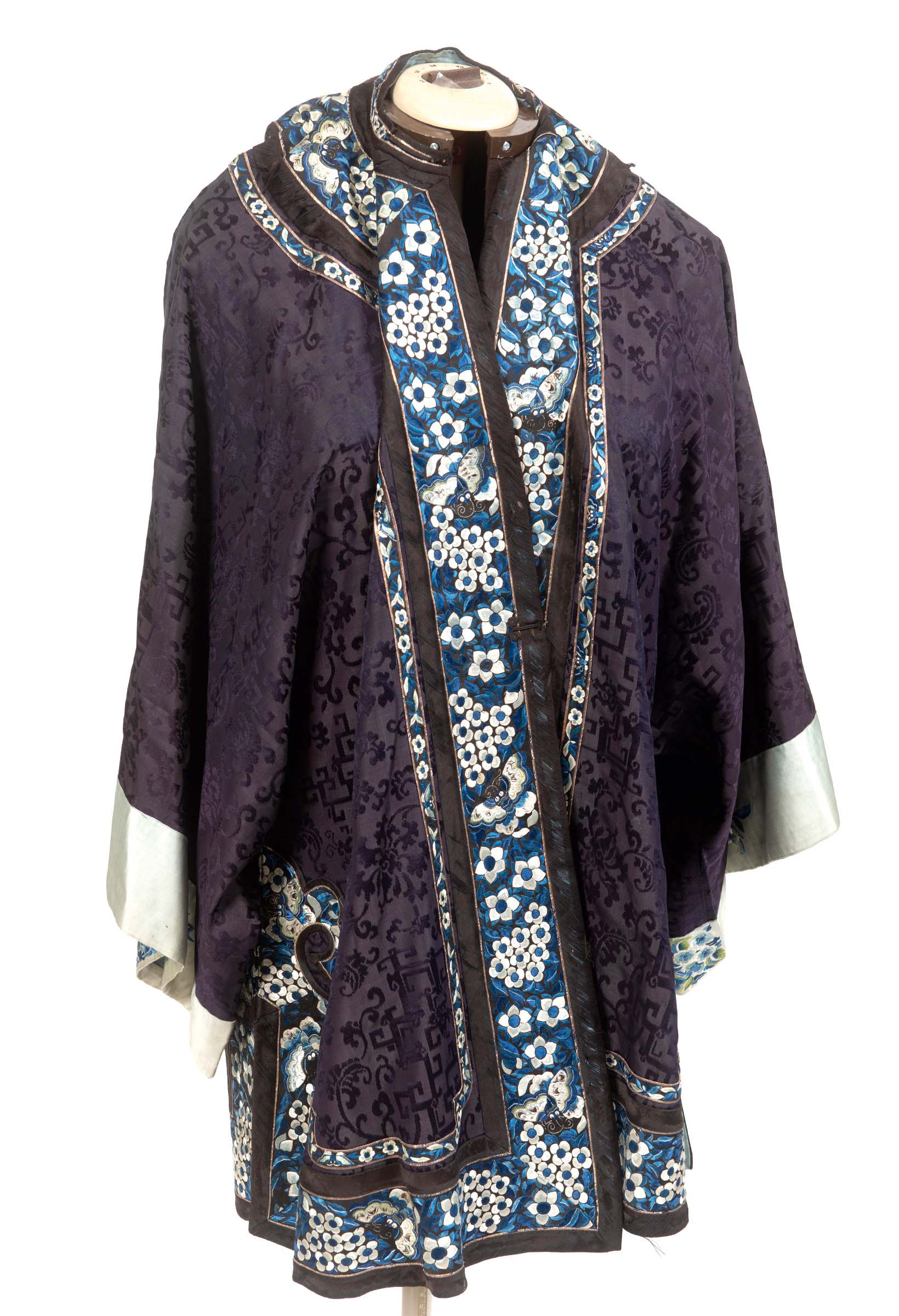 Lot 1891 - 19THC CHINESE SILK JACKET a late 19thc indigo blue damask silk front fastening Chinese jacket,