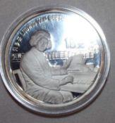 "China 1990, 10 Yuan - Silbermünze ""Ludwig van Beethoven"". Silber 925. Gewicht: 27 gr.. In Kapsel."