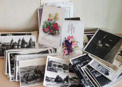 Lot Postkarten, insgesamt ca. 120 Stück, dabei auch kleinere Ortschaften, sowie Grußkarten.Lot of