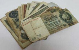 Lot Geldscheine dabei Reichsbanknoten 50ig und 20ig Reichsmark, mit starken GebrauchsspurenLot