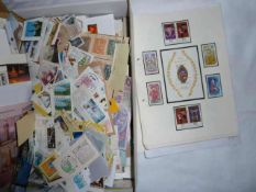 1 carton philately all the world, as well as letters, blocks, loose stamps, etc. Please visit!