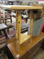 Lot 283 - Art Nouveau oak cricket table