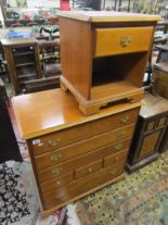 Lot 281 - Chest of drawers & bedside cabinet