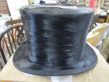 Lot 304 - Top hat